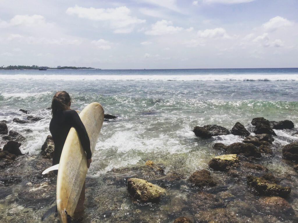 Drsné surfování na Maledivách